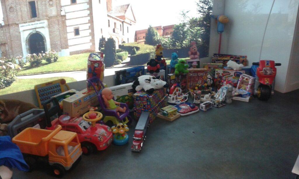 Pequeña muestra de los juguetes ya recogidos por el Grupo Joven durante la campaña